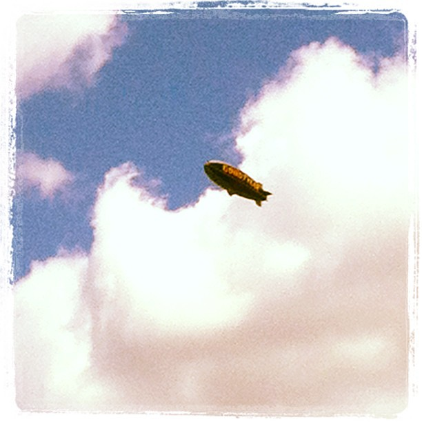 Dirigible!