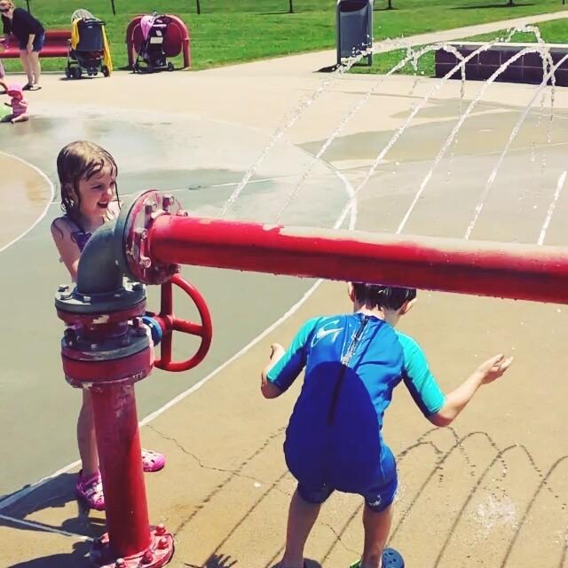 Max & Caroline @ the splash park