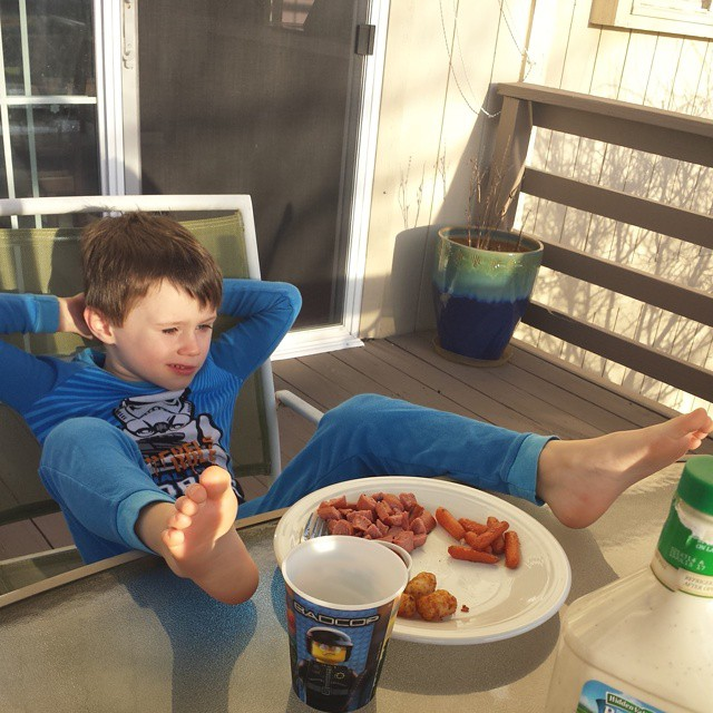 Someone should teach this kid appropriate table manners...