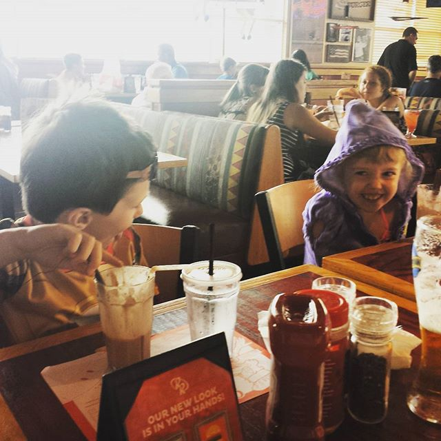 Chilly cousin fun at Red Robin